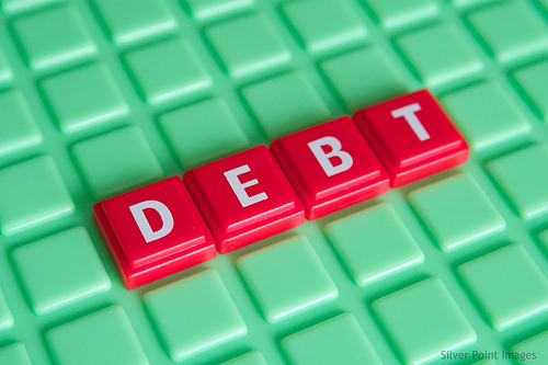 how to come out of financial debt
