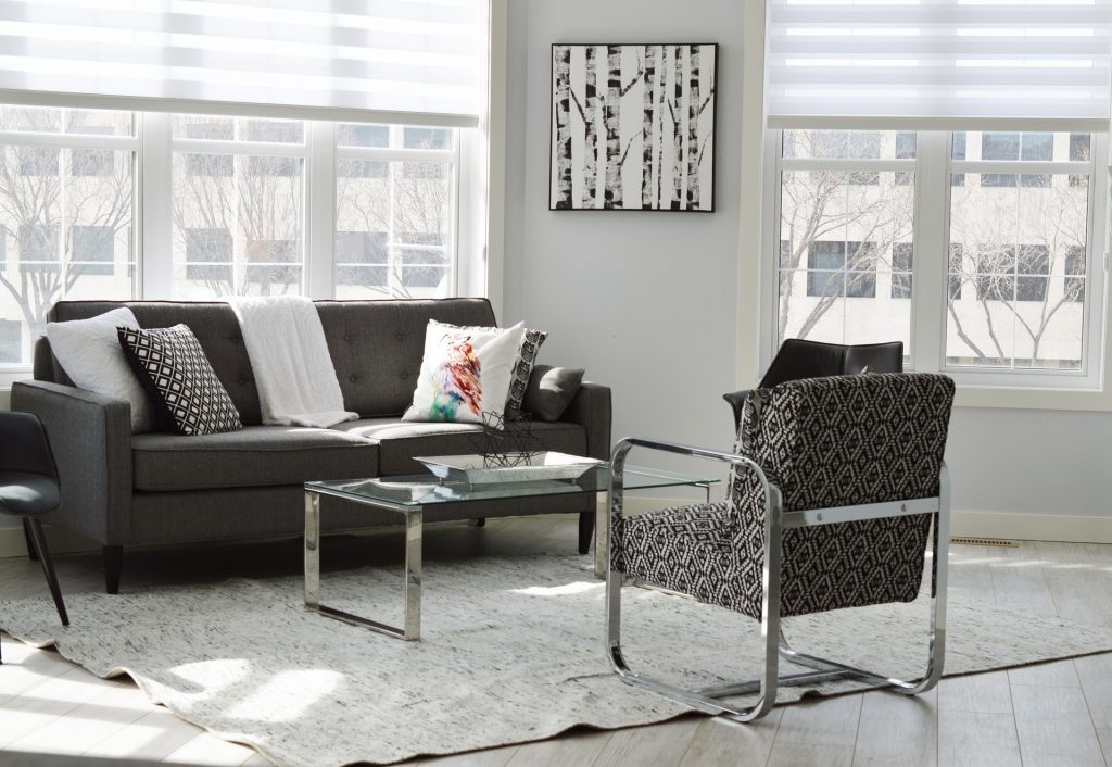 "<img src=""getyourhousereadytosell.jpg"" alt""livingroom furniture"">"